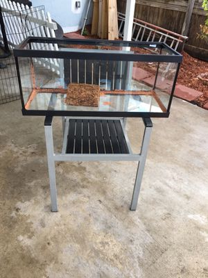 Tanque para reptiles o peses for Sale in Hialeah, FL