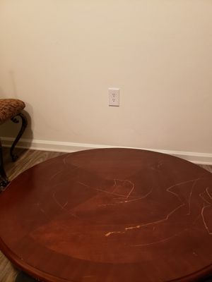 Dining set (round table with 4 chairs) for Sale in Chesapeake, VA