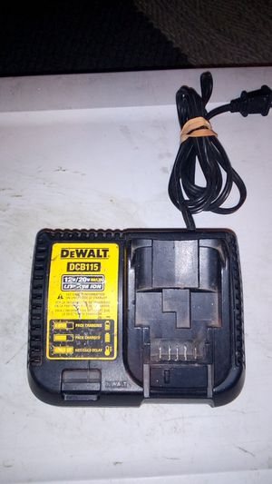 DeWalt 12/20 volt 4.5Ah Charger for Sale in Lakeside, CA