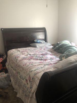 QUEEN Bedroom set for Sale in San Angelo, TX