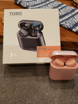 A wireless ear Pice TOZO T6 IPX8 for Sale in Elmwood Park,  IL