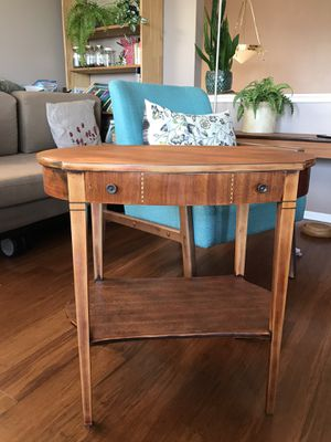 20th century traditional Mersman accent table for Sale in Seattle, WA