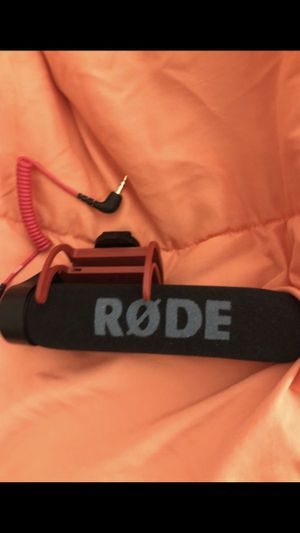 RODE - VideoMic GO On-Camera Shotgun Microphone for Sale in Queens, NY