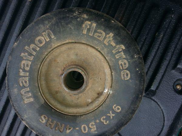 Flat free tires