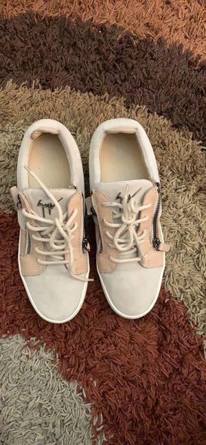 Giuseppe Women Low Top Sneaker for Sale in Corona, CA