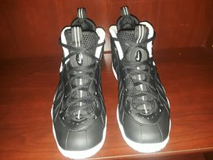 Black Nike Shoes 644792-006 Size:4.5Y for Sale in Hayward, CA