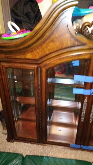 Very beautiful dinning table with 7 chairs and a hutch in very good condition for Sale in Arvada, CO