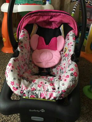 Minnie Mouse infant car seat for Sale in Bismarck, ND