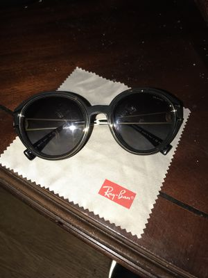 Versace sunglasses for Sale in Grosse Pointe Woods, MI