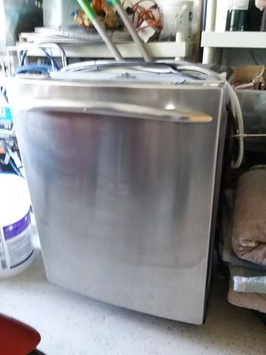 Ge stainless steel dishwasher for Sale in Naples, FL