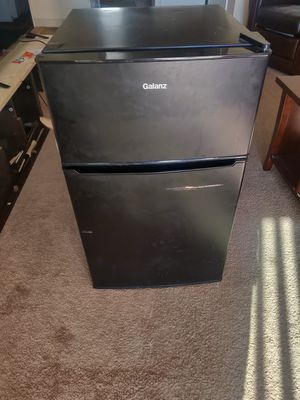 Mini Fridge for Sale in Dillon, CO