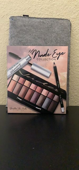 Eyeshadow palette and Makeup Brushes for Sale in Las Vegas, NV