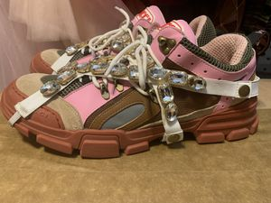 Gucci Women's Flashtreks for Sale in Laveen Village, AZ