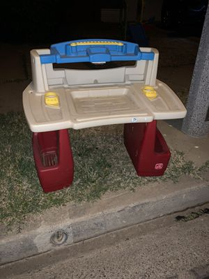 FREE KIDS DESK for Sale in Placentia, CA