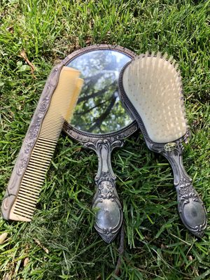 Antique mirror, brush and comb set for Sale in Overland Park, KS