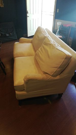 Free couch for Sale in Long Beach, CA