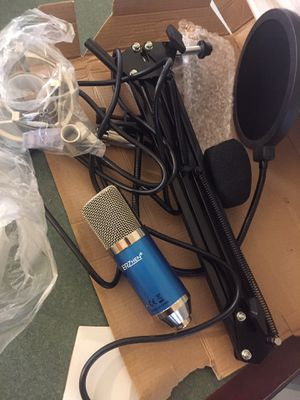 Studio microphone and stand for Sale in Cleveland, OH