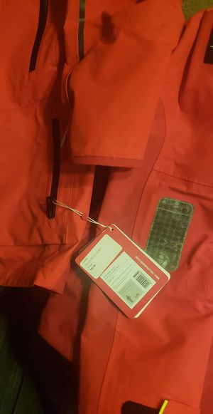 Helly Hansen jacket for Sale in Federal Way, WA