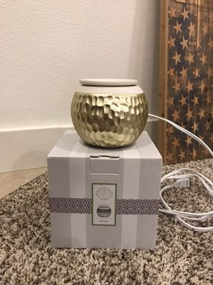 Scentsy Goldsmith Warmer for Sale in Vancouver, WA