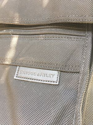 Briggs & Riley business travel garment bag / like new / clean for Sale in Pasadena, CA