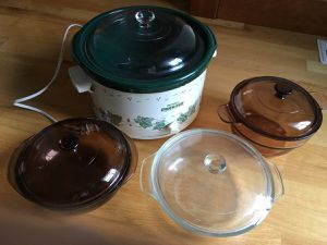 Lot Rival Crock Pot and 3 Glass Microwave Dishes for Sale in Steilacoom, WA