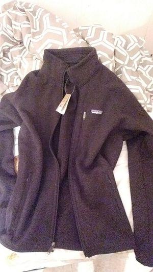 Patagonia zip up medium mens black for Sale in Saugus, MA