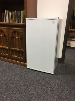 Small refrigerator for Sale in Phoenix, AZ