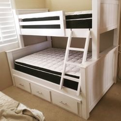 Bunkbed Twin/full with Underchest for Sale in Paramount,  CA