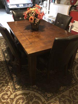 Dining Table for Sale in Desert Hot Springs, CA
