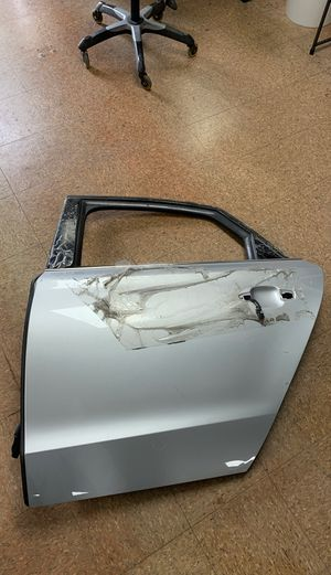 AUDI A8/S8 SHORT 2012-2017 REAR LEFT DOOR ASSEMBLY WITH WINDOW for Sale in Melrose Park, IL
