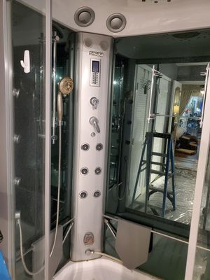 SSWW stemam shower model B611 for Sale in Las Vegas, NV