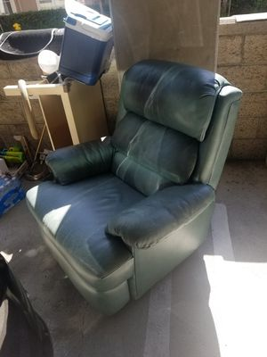 nursing rocking chair for Sale in Los Angeles, CA
