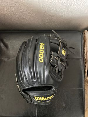 Baseball glove Wilson A2000 for Sale in El Cajon, CA