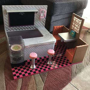 """💫💫Our Generation Bite to Eat Retro Diner for 18"""" Dolls, American Girl Dolls for Sale in Chandler, AZ"""