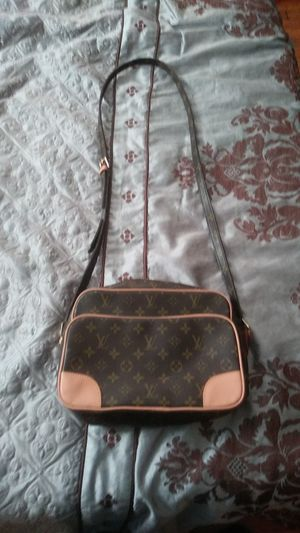 Louis Vuitton CrossOver for Sale in Silver Spring, MD