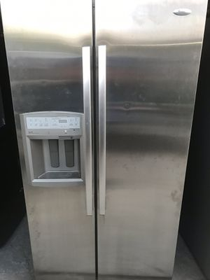 Whirlpool stainless Double door refrigerator with ice maker $300 for Sale in Dearborn Heights, MI