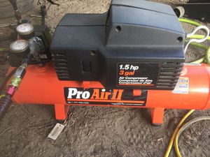Air Compressor 3' gallons for Sale in Anaheim, CA