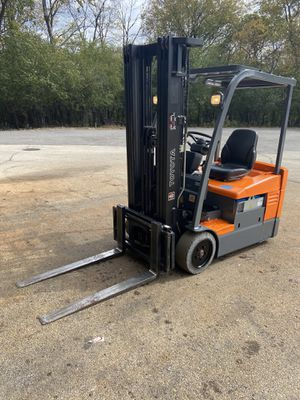 2006 Toyota Electric Forklift for Sale in Des Plaines, IL
