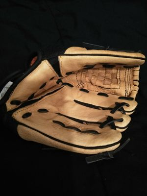 Easton Youth Baseball Glove for Sale in Romulus, MI