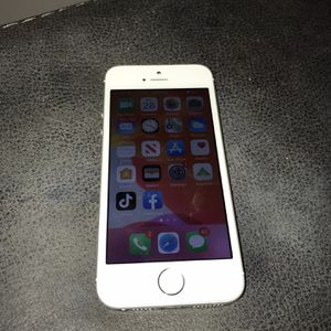 iPhone 5SE 32gb for Sale in Palm Harbor, FL