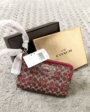 New! Coach CC wristlet red retail $55 Brand-new with gift box, & tags. Super cute! Style #52436B for Sale in Washington, DC