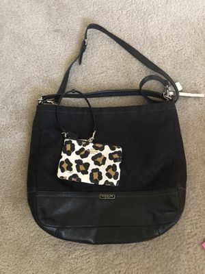 Coach purse and wallet for Sale in Zephyrhills, FL