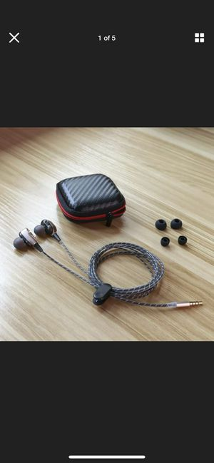 Earphones Wired Earbuds with Microphone and Remote for Sale in Newark, CA