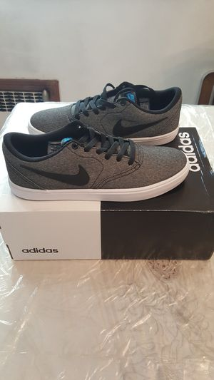 Men's Nike size 9.5 for Sale in Brooklyn, NY