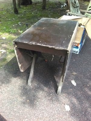 Drop side table antique needs refinishing for Sale in Buena Vista Township, NJ