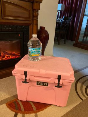 Yeti Tundra 35 Pink Cooler Limited Edition for Sale in Naples, FL