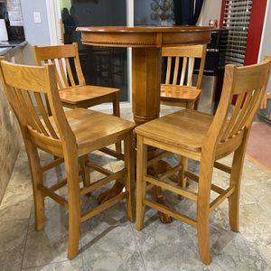 Bar/Breakfast Table w/chairs for Sale in Henderson, NV