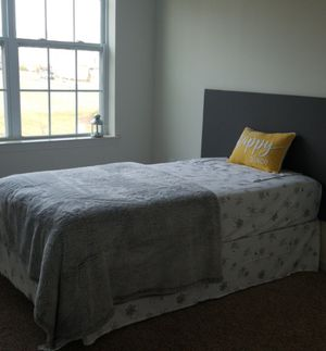 Twin bed matress with metal frame for Sale in NJ, US