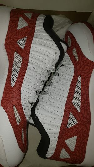 Jordan 11 Retro Low IE White Gym Red for Sale in Ceres, CA