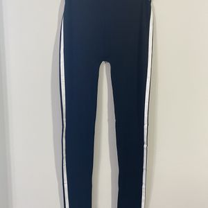 Jeans Medium In Size for Sale in Mechanicsburg, PA